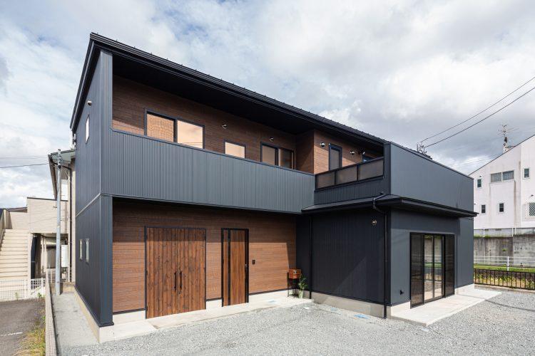 趣味も仕事も両方楽しむ土間ガレージと工房のある家の画像2