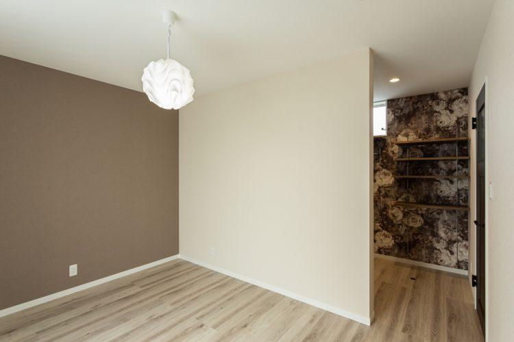 寛ぎの空間、小上がりダイニングのある家の画像21