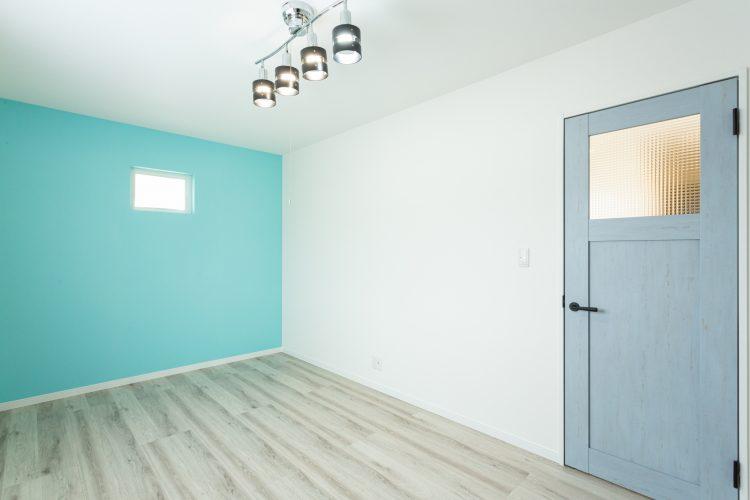 寛ぎの空間、小上がりダイニングのある家の画像26