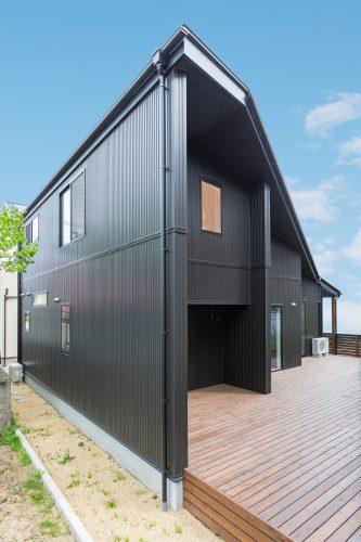 土地の形状を活かしたコンパクトな平屋風の家の画像7