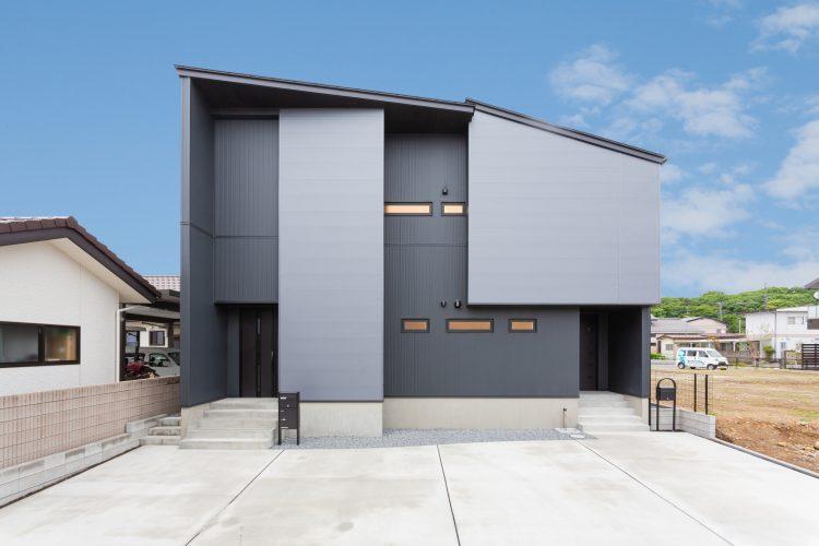 家族が想いを確かめ合える分離型二世帯の家の画像1